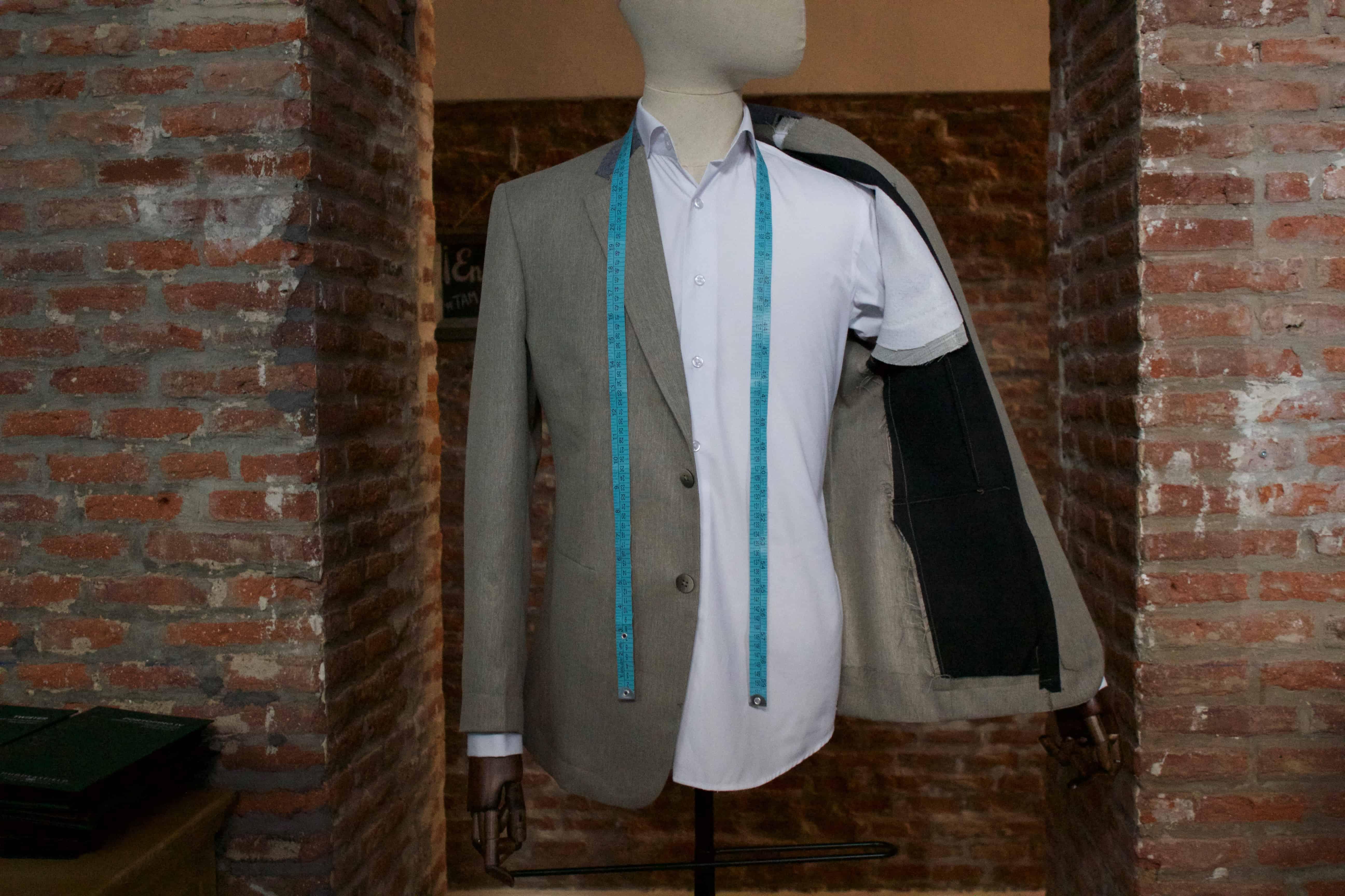 Traje y Camisa de Prueba Gratis en tu Primer Pedido Online