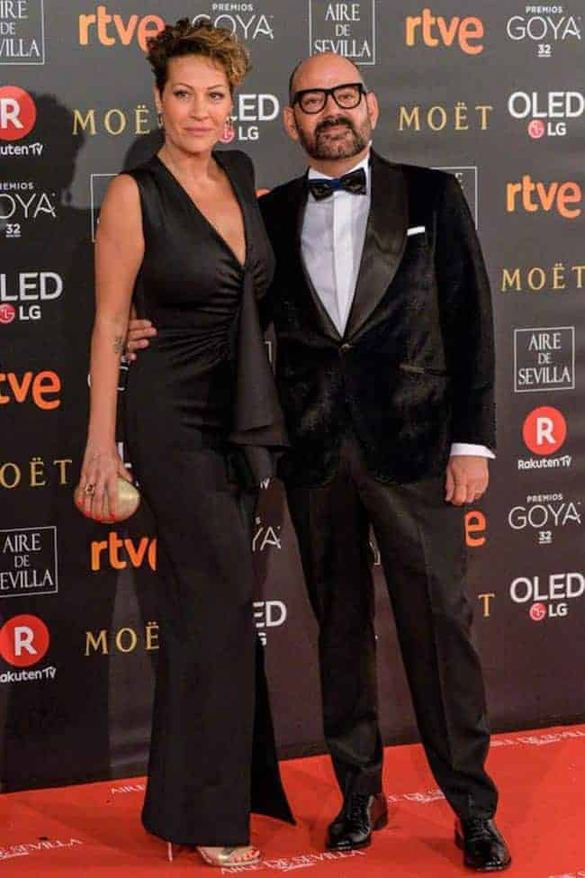 José Corbacho, con total look de Bere Casillas, y Mónica Mira