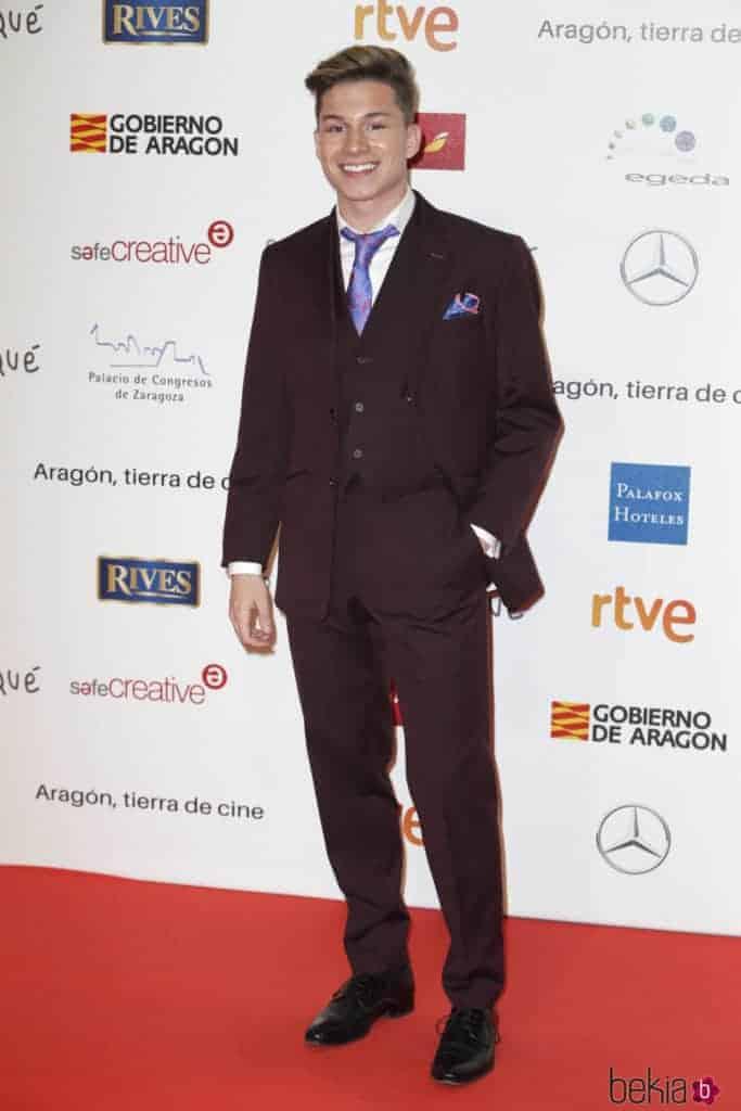 Raoul, de OT, vestido por Bere Casillas en los premios Forqué
