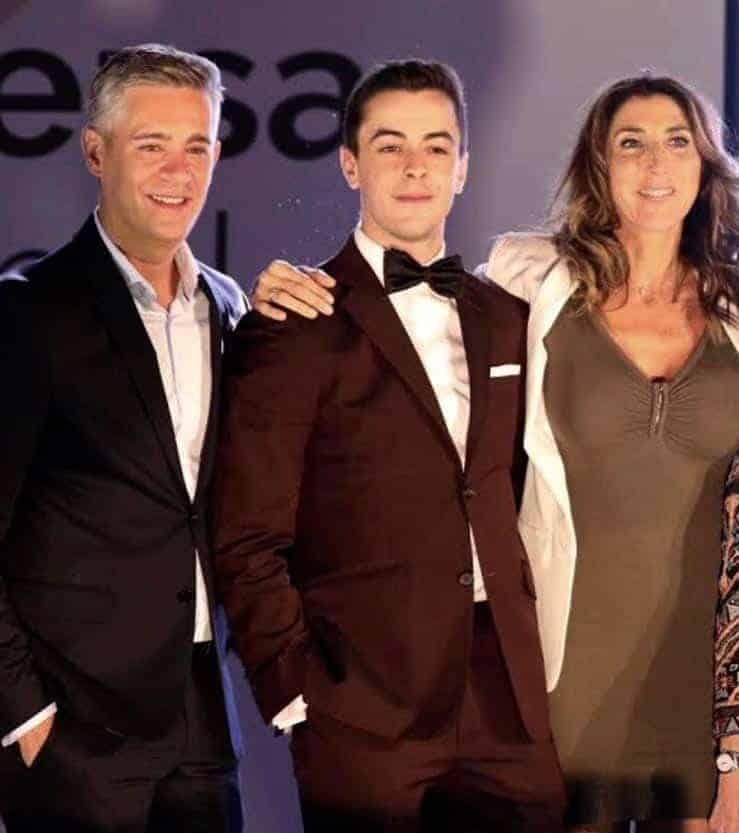 Víctor Palmero con total look Bere Casillas en los Premios Deversa en Madrid 2018