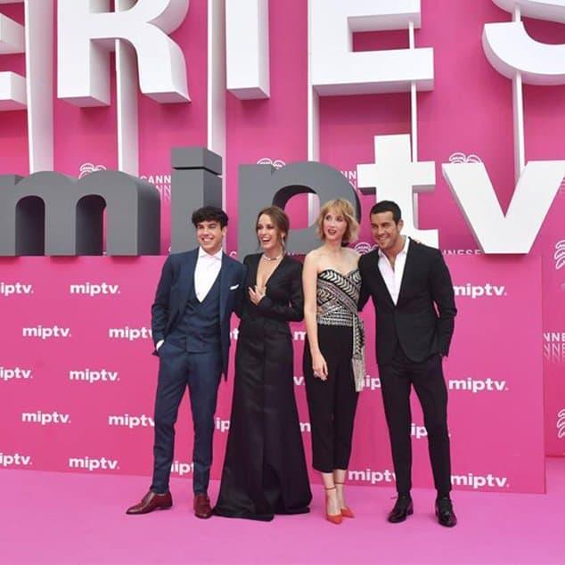 Mario Casas y Oscar Casas en Cannes