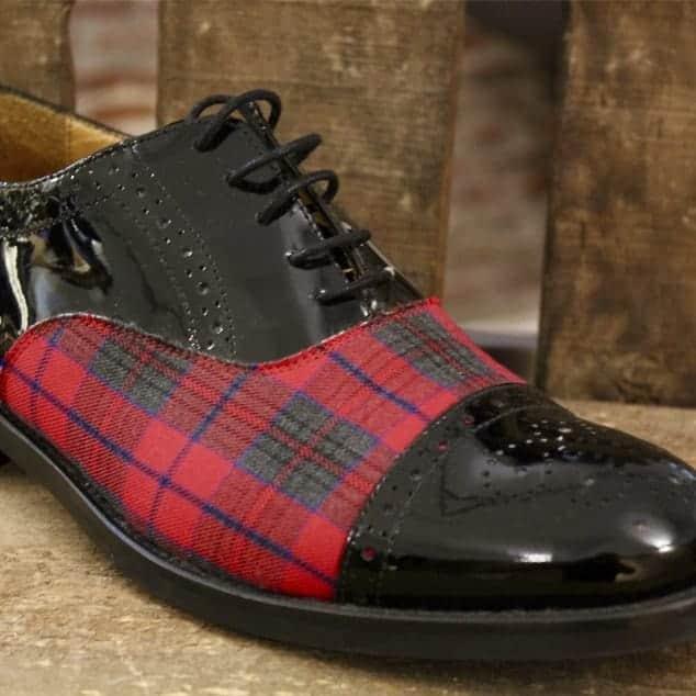 zapato a medida cuadro escocés