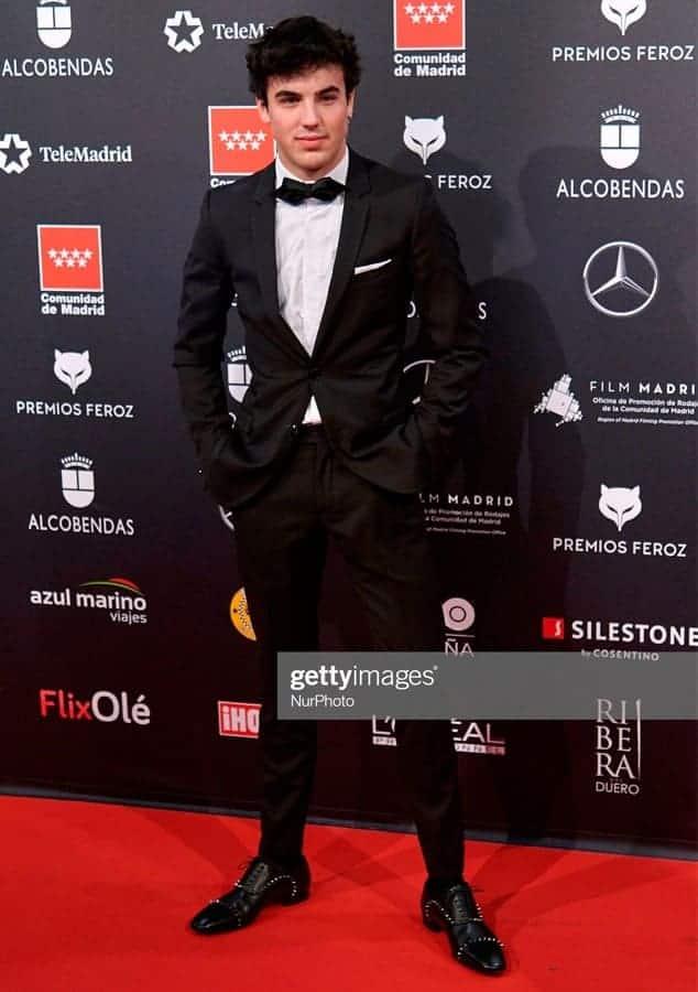 Óscar Casas traje negro a medida