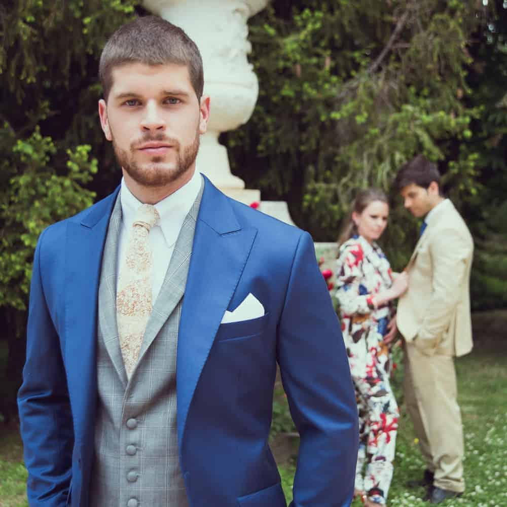 traje novio a medida azul